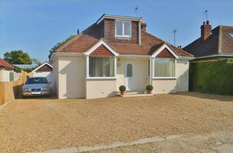 4 Bedrooms Detached House for rent in Scotts Grove Close, Chobham