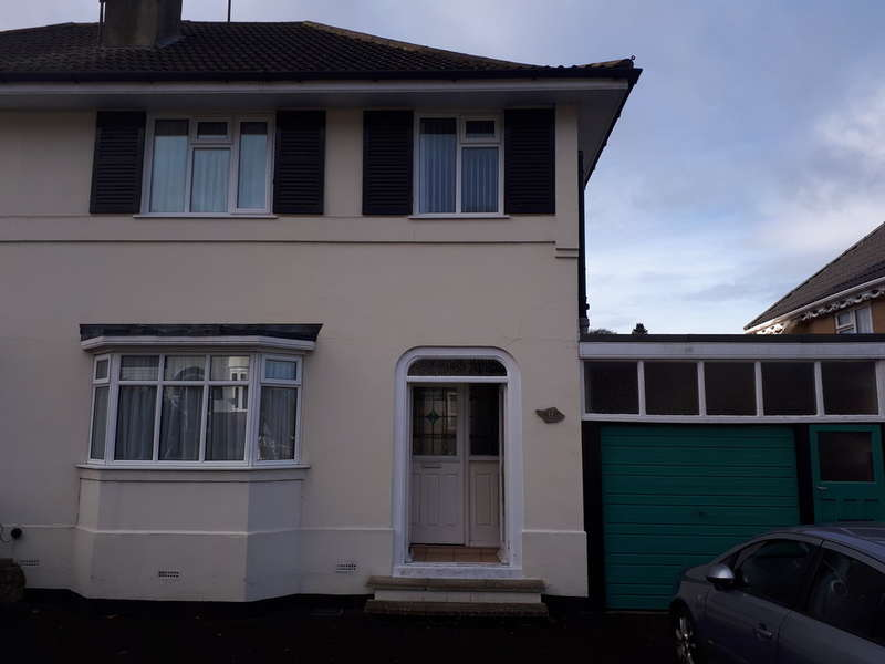 3 Bedrooms Semi Detached House for sale in Gervase Drive, Dudley