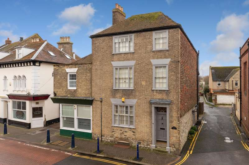 3 Bedrooms Semi Detached House for sale in High Street, Hythe, CT21