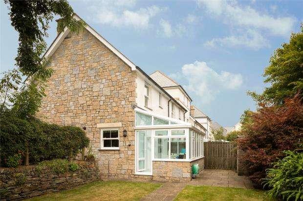 2 Bedrooms Semi Detached House for sale in Widgeon Way, Hayle, Cornwall