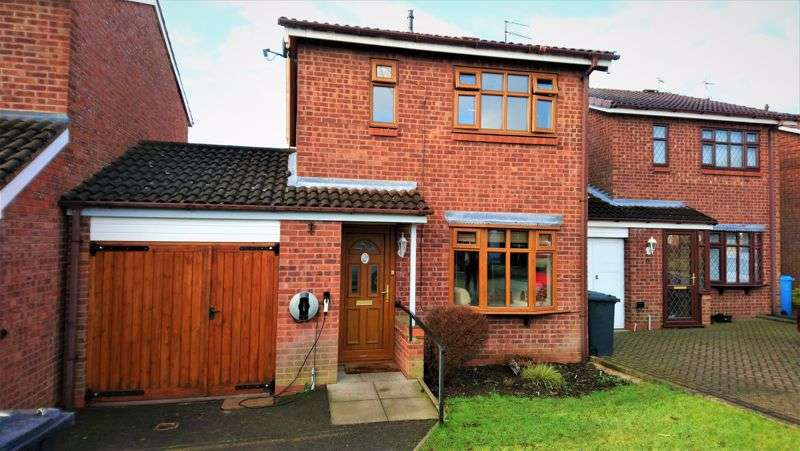 3 Bedrooms Property for sale in Holloway Drive, Wolverhampton