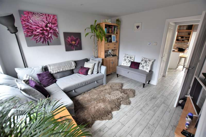 2 Bedrooms End Of Terrace House for sale in Banks Crescent, STAMFORD