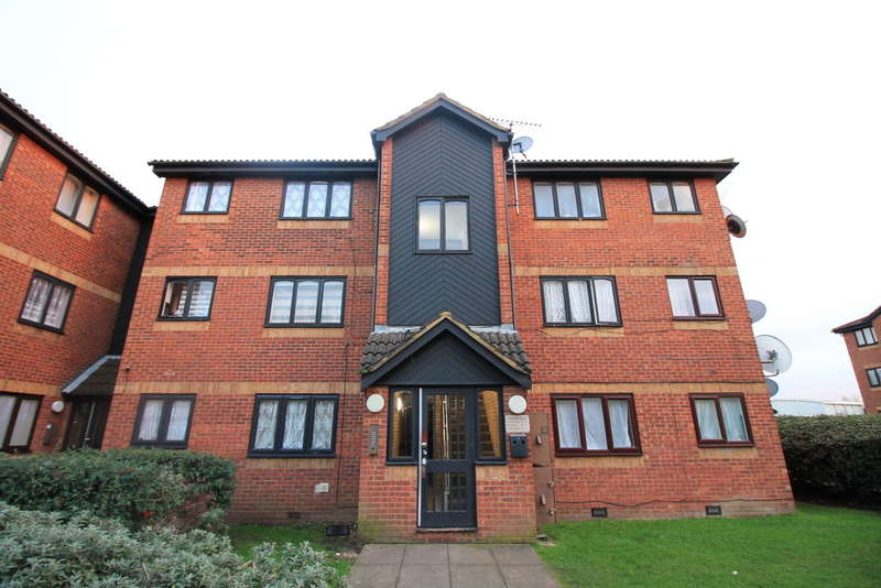 Flat for sale in Acworth Close, London