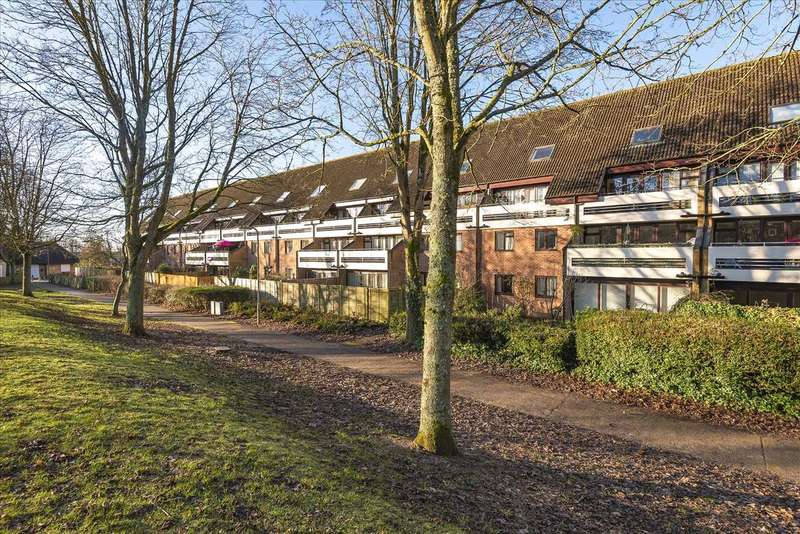 1 Bedroom Apartment Flat for sale in Saxon Court, King Arthurs Way, Andover