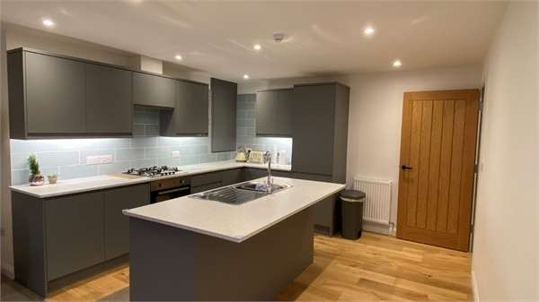 3 Bedrooms Maisonette Flat for sale in 2 Battersby Hall, Church Street, KESWICK, Cumbria, Cumbria