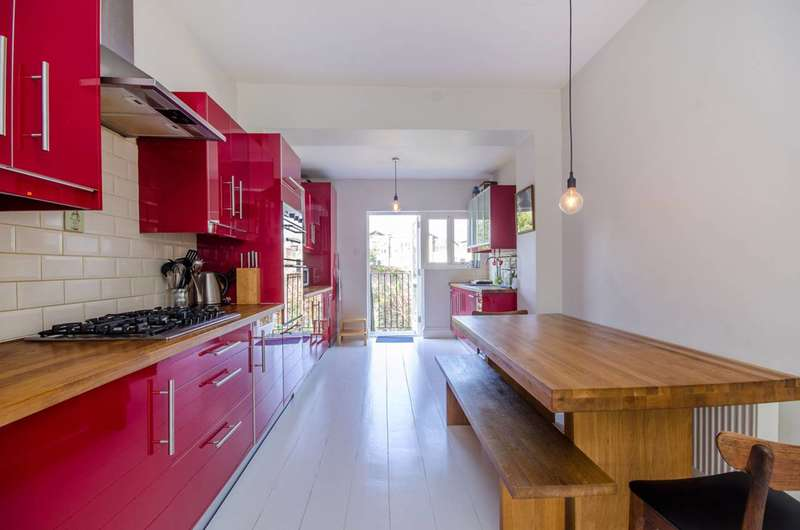 4 Bedrooms Flat for sale in Moray Road, Finsbury Park, N4