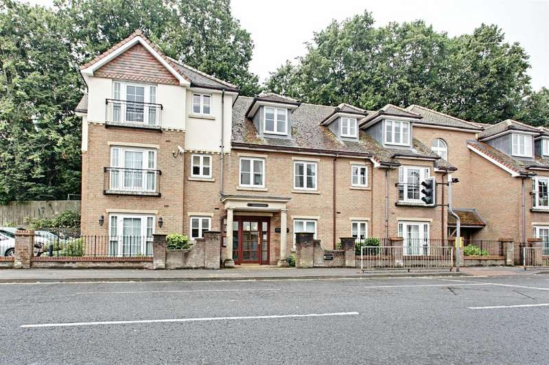 1 Bedroom Retirement Property for sale in Gilhams Court, High Street, BERKHAMSTED