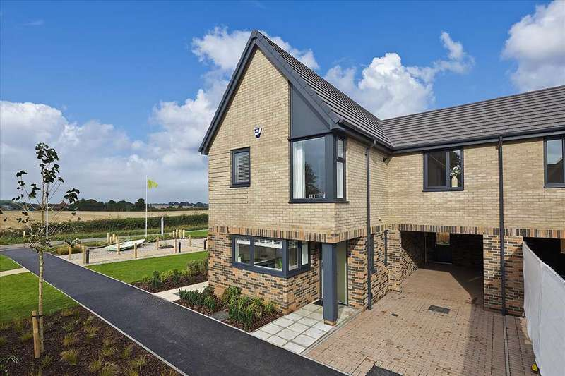 3 Bedrooms House for sale in The Tate Laureate Fields, Ferry Road, Old Felixstowe