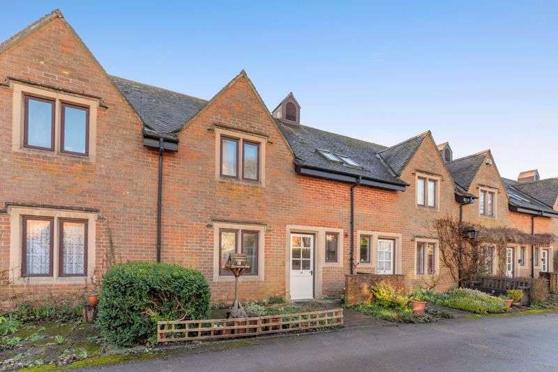 2 Bedrooms Property for sale in Manor Court, Swan Road, Pewsey