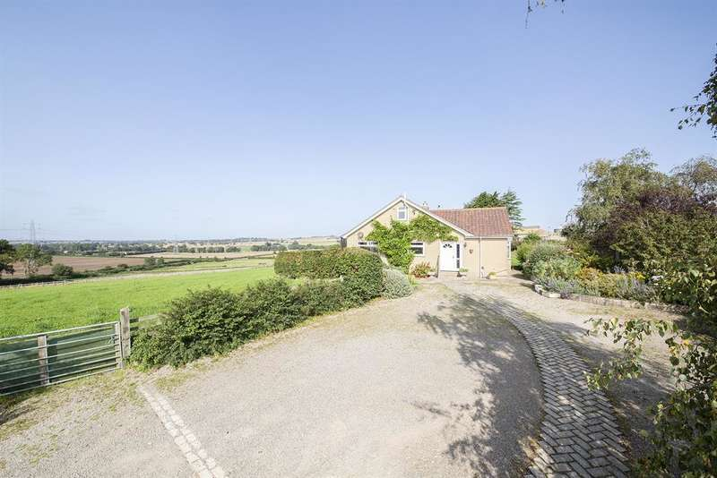 4 Bedrooms Detached Bungalow for sale in Oulston Road, Easingwold, York, YO61 3PS