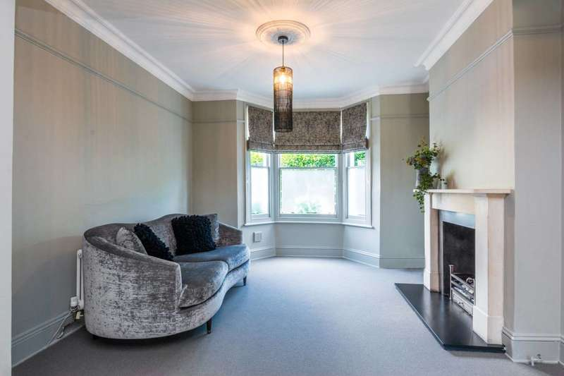 4 Bedrooms House for rent in Bridgman Road, Chiswick, W4