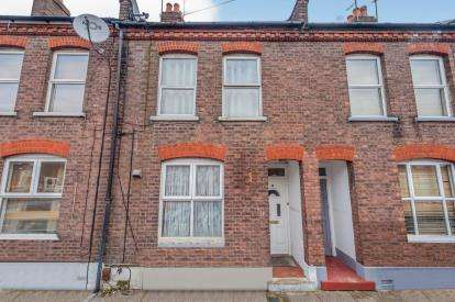 3 Bedrooms Terraced House for sale in William Street, Luton, Bedfordshire, England