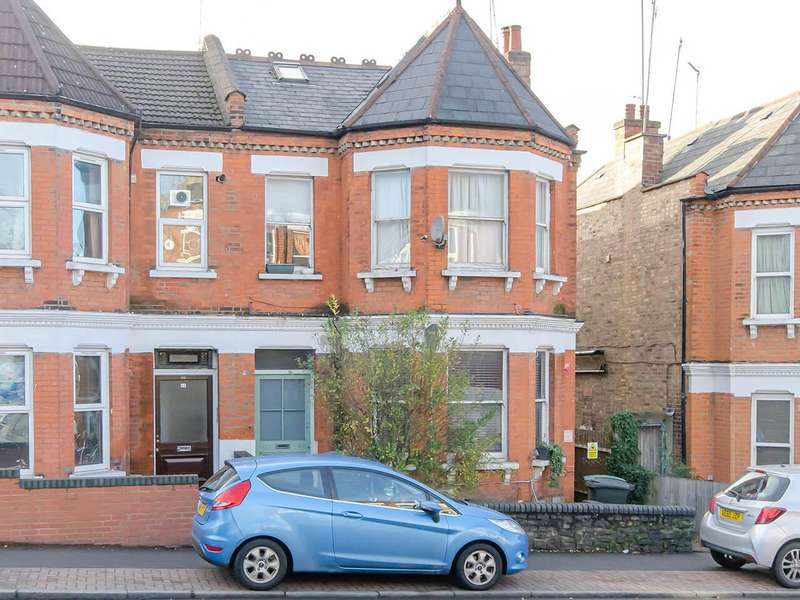 2 Bedrooms Apartment Flat for sale in Colney Hatch Lane, London, Greater London, N10