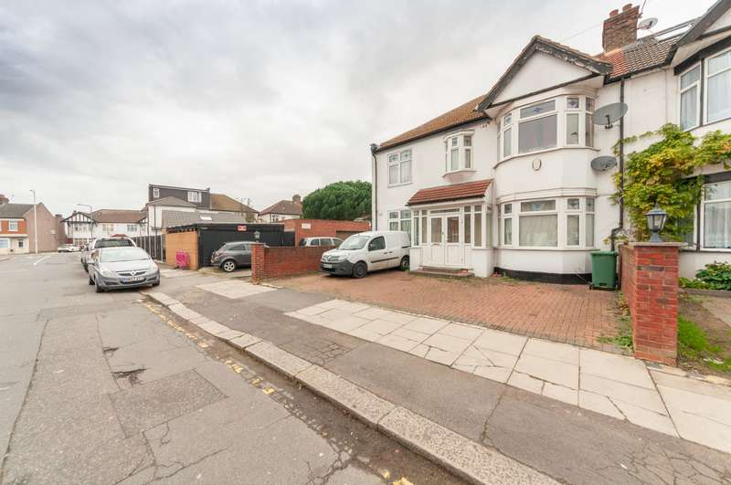 5 Bedrooms End Of Terrace House for sale in Wycombe Road, Ilford, IG2