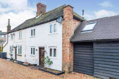 2 Bedrooms Semi Detached House for sale in Eastcotts Road, Bedford, Bedfordshire