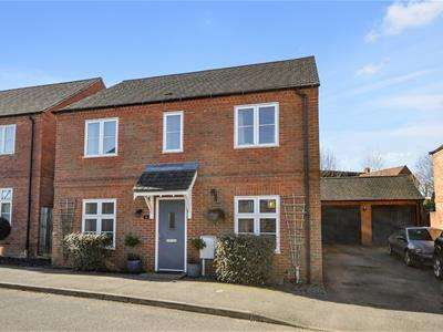 3 Bedrooms Detached House for sale in Long Breech, Mawsley Village