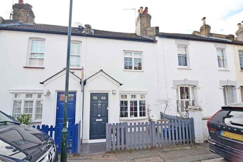 2 Bedrooms Terraced House for sale in York Road, Teddington, TW11