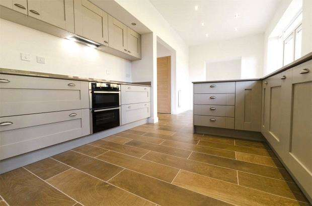 4 Bedrooms Detached House for sale in Valley Park,, Flora Close, Exmouth, Devon