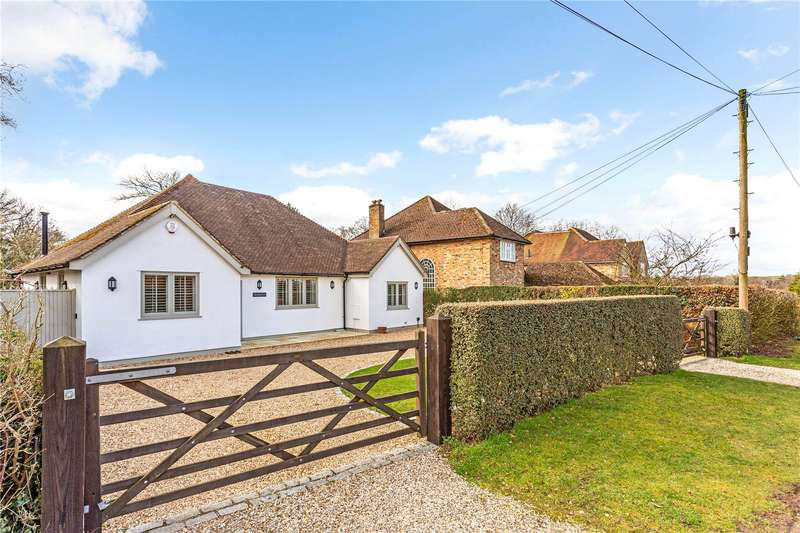 4 Bedrooms Detached Bungalow for sale in Little Windmill Hill, Chipperfield, Kings Langley, Hertfordshire, WD4