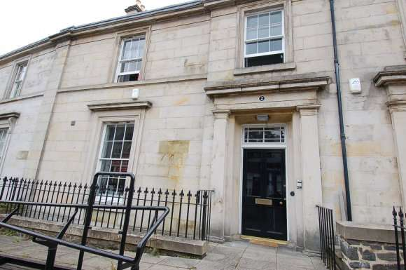 5 Bedrooms Flat for rent in Viewfield Street, Stirling
