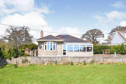 4 Bedrooms Bungalow for sale in Par, Cornwall, St. Austell
