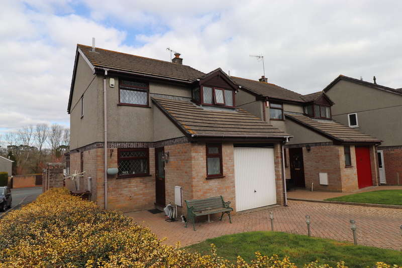 3 Bedrooms Detached House for sale in Gwithian Close, Torpoint