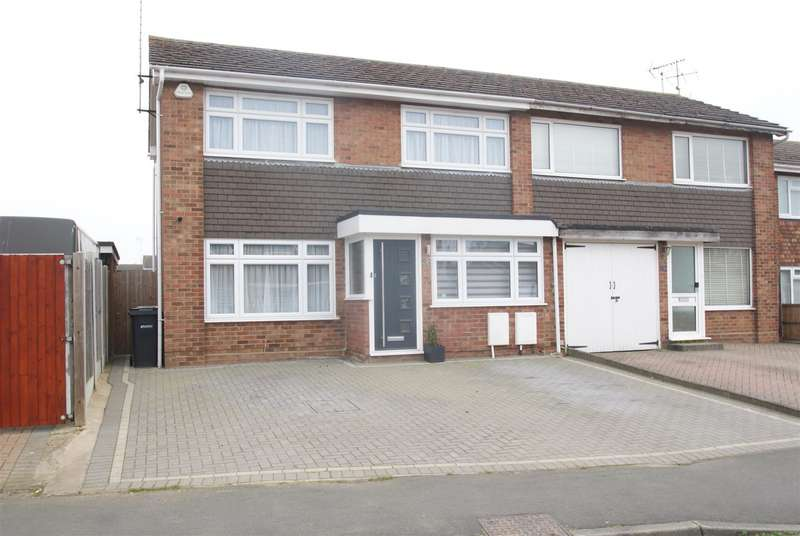 3 Bedrooms Semi Detached House for sale in Rectory Avenue, Rochford