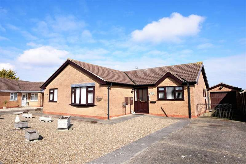 3 Bedrooms Detached Bungalow for sale in Sandilands Close, Sandilands, Mablethorpe, LN12