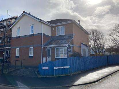 3 Bedrooms Semi Detached House for sale in Old Penny Gardens, Morecambe, Lancashire, United Kingdom, LA4
