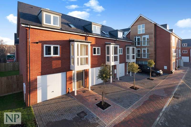 3 Bedrooms Town House for sale in Deben Meadows