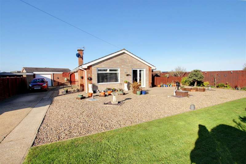 4 Bedrooms Detached Bungalow for sale in Marian Avenue, Mablethorpe