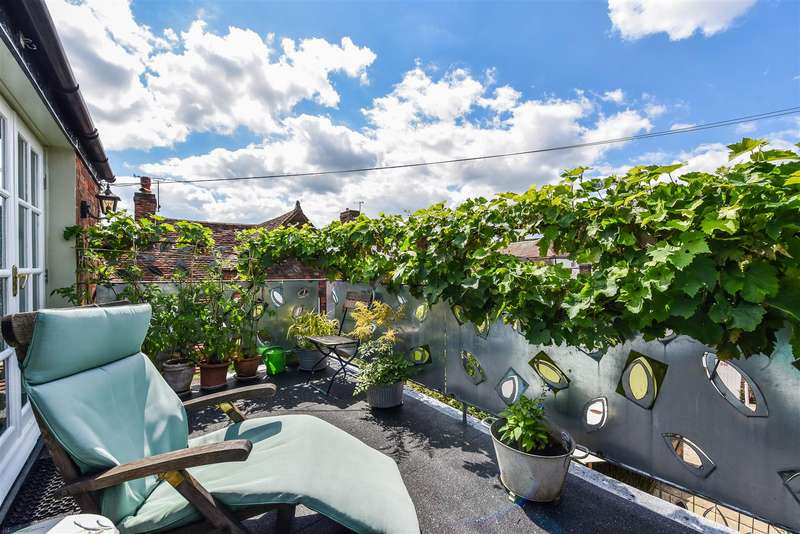 2 Bedrooms House for sale in Tarrant Street, Arundel