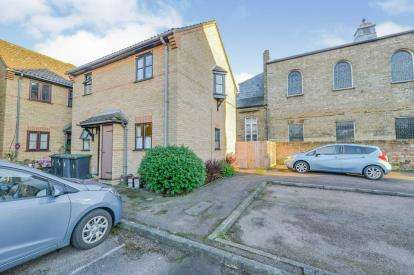 1 Bedroom Maisonette Flat for sale in Trinity Close, Shortmead Street, Biggleswade, Bedfordshire