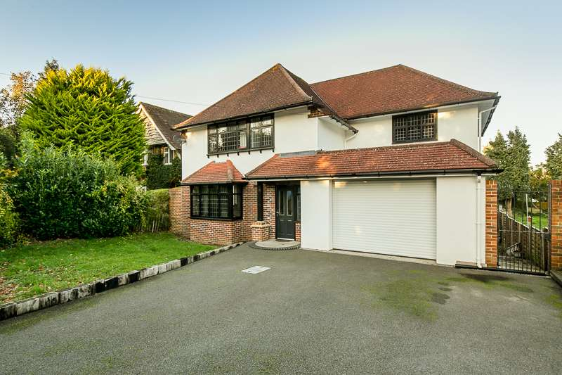 4 Bedrooms Detached House for sale in Church Lane, Hooley, COULSDON, Surrey, CR5