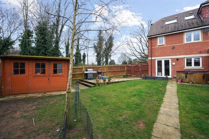 3 Bedrooms End Of Terrace House for sale in Schoolgate Drive, Morden
