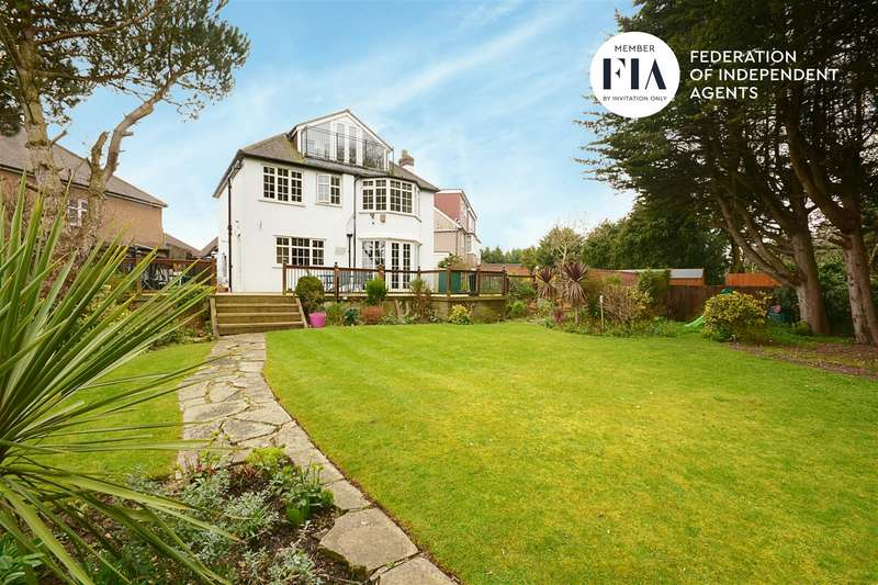 5 Bedrooms Detached House for sale in Oaklands Avenue, Isleworth