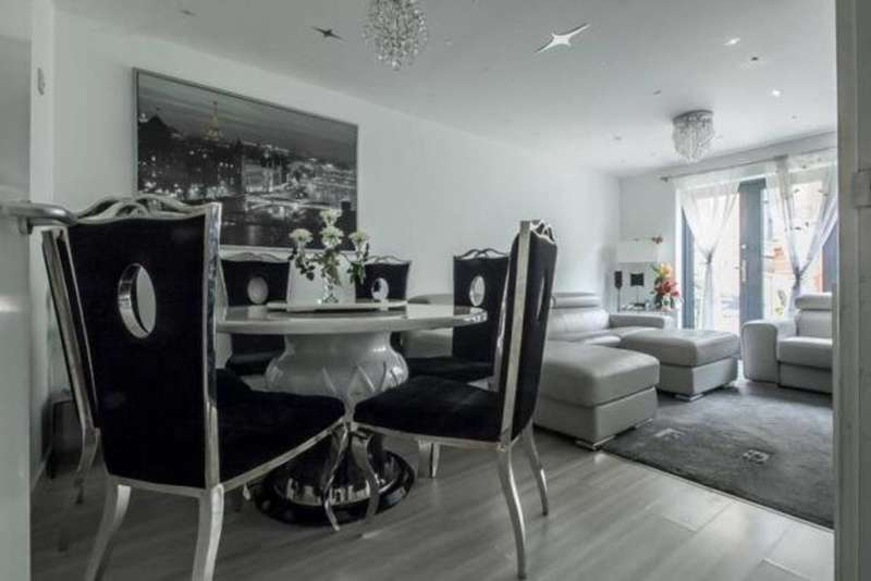 4 Bedrooms Semi Detached House for sale in Mostyn Road, Brixton, SW9
