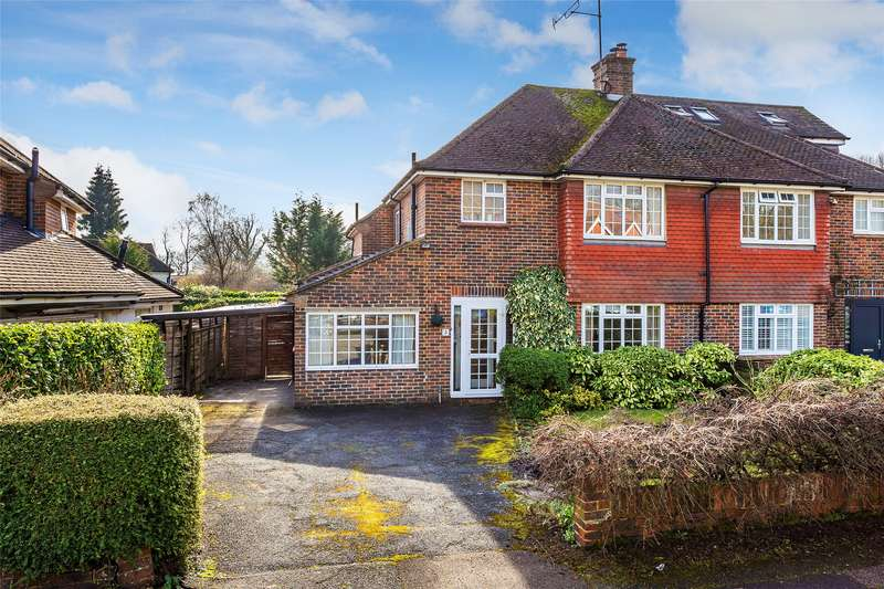 3 Bedrooms Semi Detached House for sale in Hamfield Close, Oxted, RH8