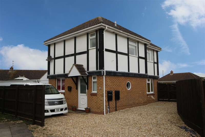 3 Bedrooms Detached House for sale in Cawkwell Close, Sutton-On-Sea