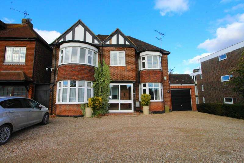 4 Bedrooms Detached House for sale in Hutton Road, Brentwood