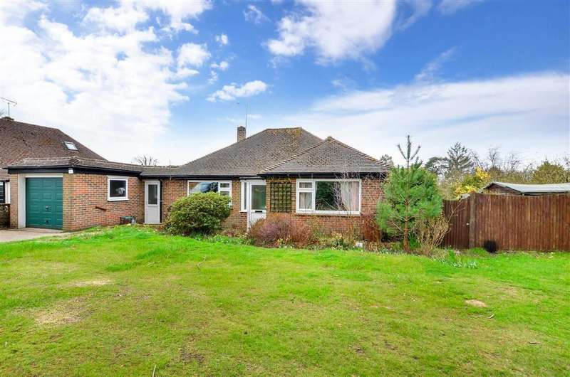 3 Bedrooms Detached Bungalow for sale in London Road, , Crowborough, East Sussex