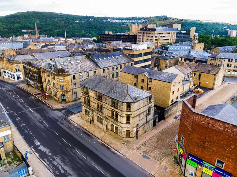 Apartment Flat for sale in Derald House, King Cross Street, Halifax, West Yorkshire, HX1