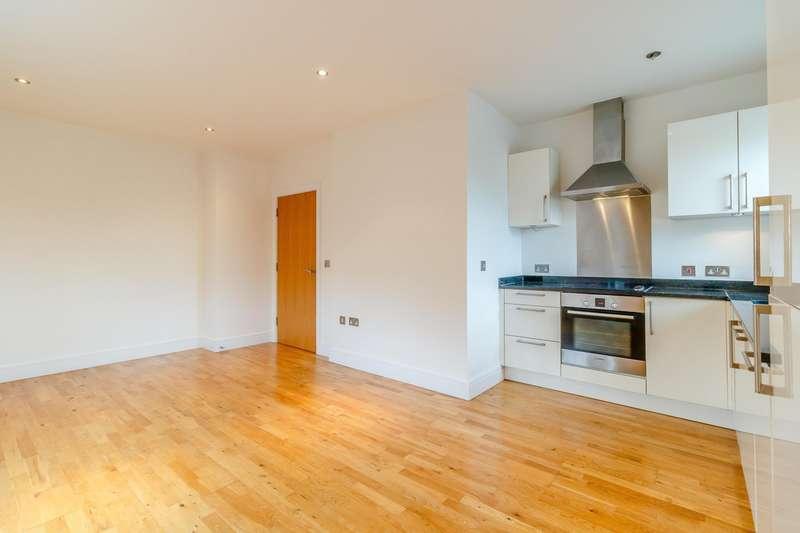 2 Bedrooms Flat for rent in Bridge Street, Walton On Thames, KT12