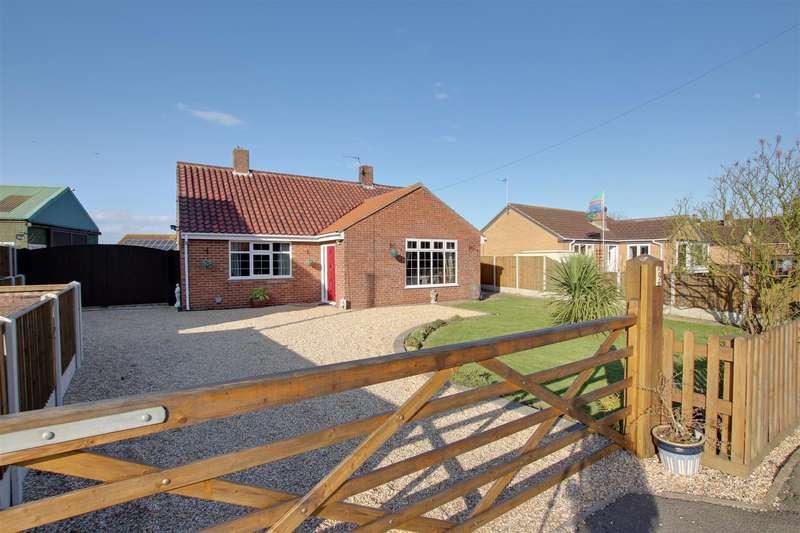 4 Bedrooms Detached Bungalow for sale in Mill Lane, Hogsthorpe, Skegness