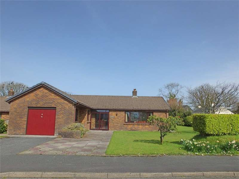 3 Bedrooms Detached Bungalow for sale in Bloomfield Gardens, Narberth, Pembrokeshire