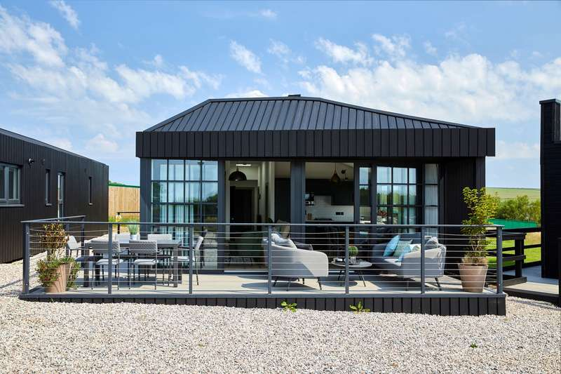 3 Bedrooms Caravan Mobile Home for sale in Retallack Resort Spa, Cornwall
