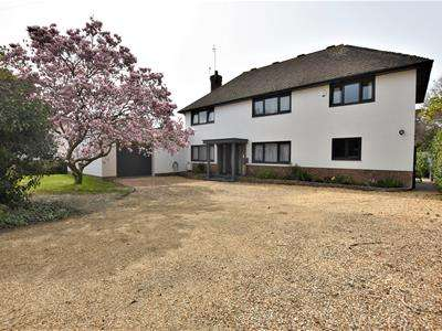 5 Bedrooms Detached House for sale in Glyne Ascent, Bexhill-On-Sea