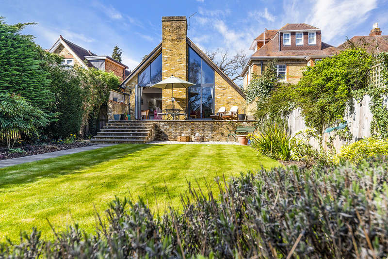 3 Bedrooms Semi Detached House for sale in Langley Avenue, Surbiton