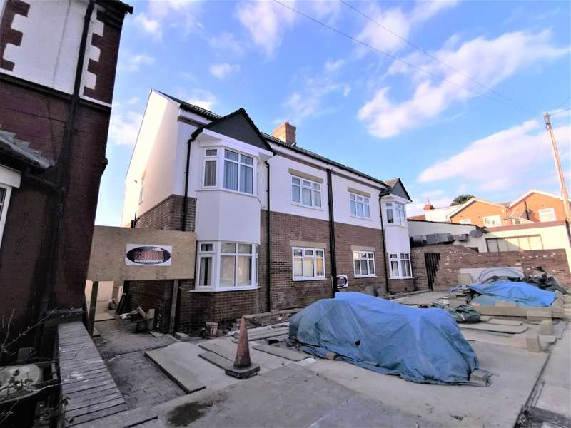 2 Bedrooms Apartment Flat for rent in 2b Medina Road, Maidenhall, Luton, Beds