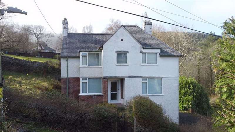 3 Bedrooms Detached House for sale in Trefriw